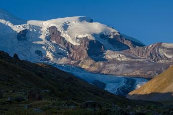 5 - ый день. Дневка. Можно сходить с желающими к леднику Уллу-Чиран.
